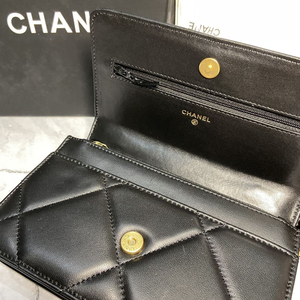 READY STOCK chanel WALLET ON CHAIN lamb skin gold chain 5 1_5