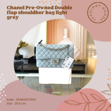 Chanel PreOwned Double flap shouldher bag light grey